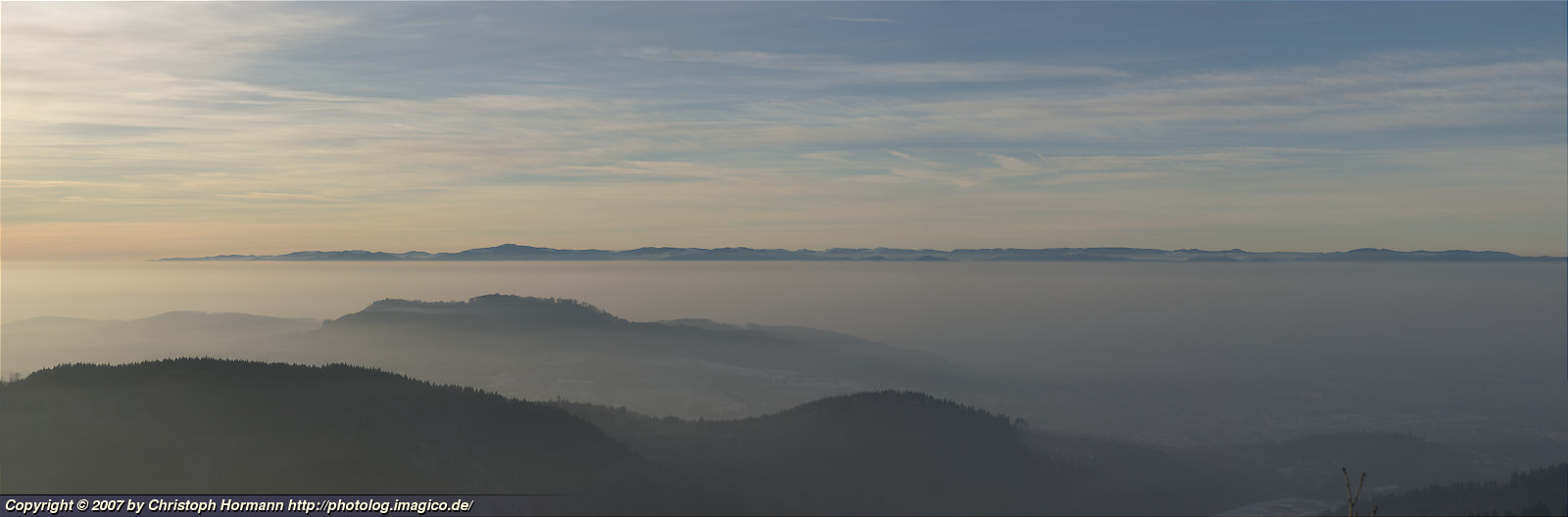 image 14: Winter fog in the Rhine valley and clear sight above onto the Vosges Mountains