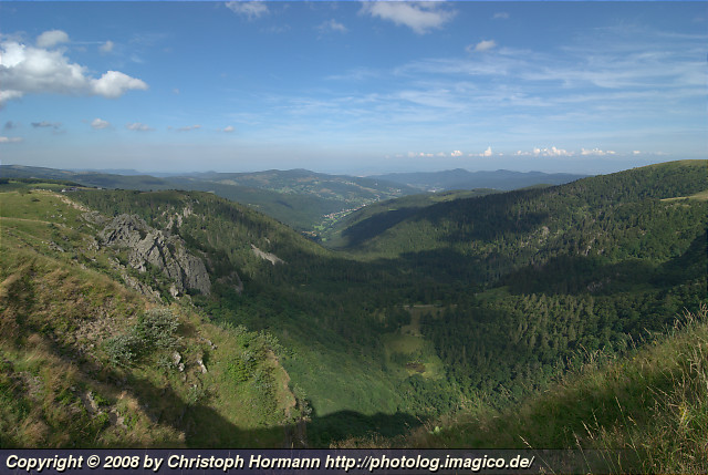 image 30: view from the crest of the Voges mountains near the Hohneck in eastwards direction